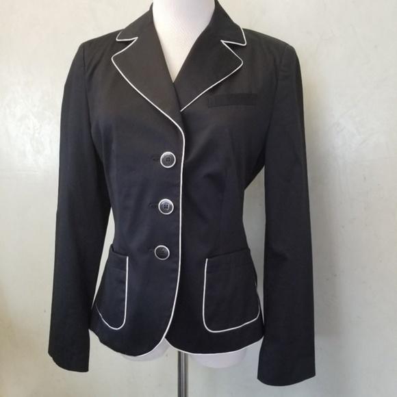 release info on ever popular arrives S. Oliver Selection navy blazer